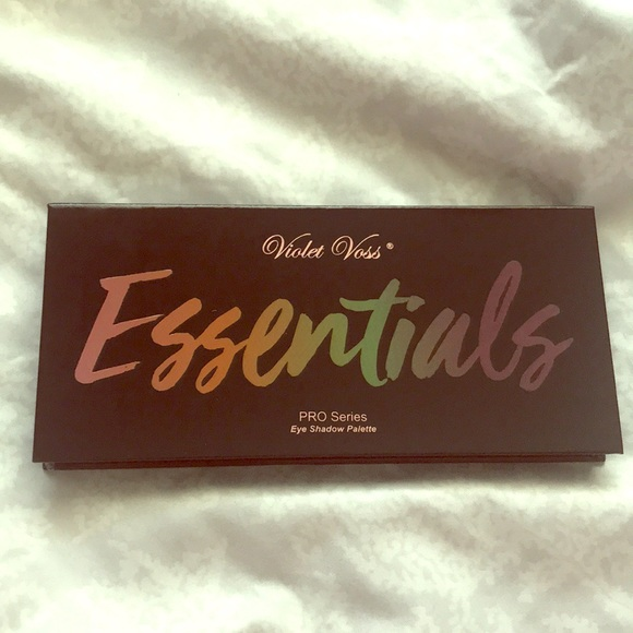Violet Voss Other - Violet Voss Essentials eyeshadow palette